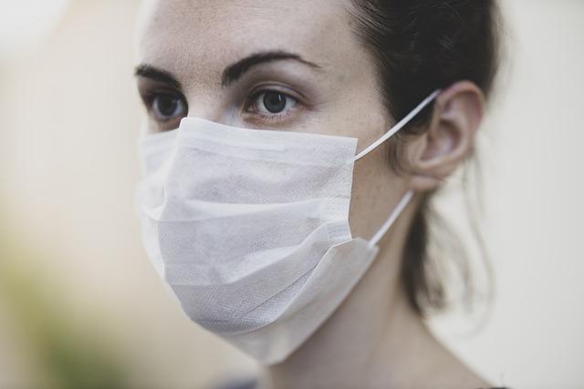 Masque chirurgical à élastiques